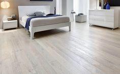 Parquet estilo blanco en dormitorio