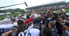 A day before he officially gets inducted into the Patriots Hall of Fame, Kevin Faulk stopped by to break down the huddle at Training Camp.