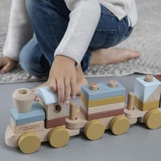 Little Dutch: drewniany pociąg Pure & Nature Baby Kind, Carpe Diem, Retro, Dutch, Pure Products, Toys, Design, Wooden Train, Wooden Blocks