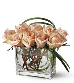 Peach rose centerpiece