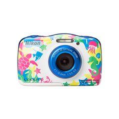 Die Nikon Coolpix Digitalkamera ist euer perfekter Urlaubsbegleiter, dank einfacher Bedienung und tollen Funktionen hält sie eure Eindrücke optimal fest