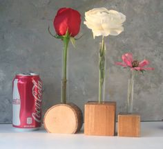 Rustic Test tube Vase flower vase earthy natural by LynettesArt Bud Vases, Flower Vases, Flowers, Popular Woodworking, Woodworking Wood, Wood Projects, Projects To Try, Raw Wood, Wood Turning