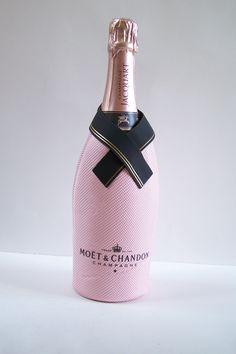 Etui isotherme champagne Moët et Chandon étui de bouteille rafraichisseur de bouteille rose et noir vintage Made in France de la boutique MyFrenchIdeedAntique sur Etsy