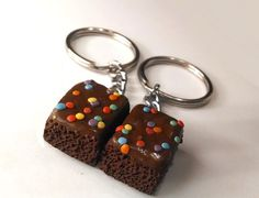Items similar to Brownie Halves Key Chains, Polymer Clay Food Accessories, Best Friends BFF on Etsy Polymer Clay Disney, Cute Polymer Clay, Polymer Clay Charms, Diy Clay, Clay Crafts, Clay Keychain, Diy Fashion Hacks, Kawaii Crafts, Best Friend Necklaces