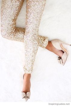 Amazing gold glitter leggings and shoes | Inspiring Ladies