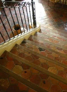 Country cottage floors sols on pinterest terracotta tile for Country cottage floor tiles