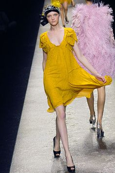 Sonia Rykiel Spring 2007 Ready-to-Wear Collection Slideshow on Style.com