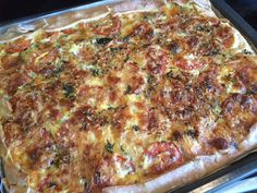 Sunday Recipes - Four Cheese Mac and Cheese with Herbs Sunday Recipes, Mac And Cheese, Lasagna, Pizza, Yummy Food, Breakfast, Ethnic Recipes, Quiches, Food Ideas