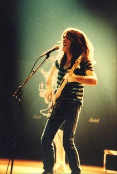 1981/01/25 - BEL, Brussels, Forest National | Highway To ACDC : le site francophone sur AC/DC