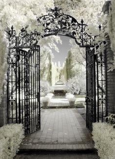 Filoli Gate