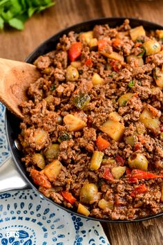 Cuban Beef Picadillo - a delicious hearty ground beef Cuban inspired recipe with flavoursome spices, potatoes, vegetables, olives and sultanas. Picadillo Recipe With Potatoes, Pork And Potato Recipe, Beef And Potatoes, Ground Beef Recipes For Dinner, Dinner With Ground Beef, Slimming World Chicken Casserole, Cuban Picadillo, Beef Olives, Beef Brisket Recipes