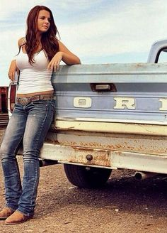 We Love These Country Girls Photos) - Suburban Men - July 2015 - . - We love these country girls photos) – Suburban Men – July 2015 – - Hot Country Girls, Hot Girls, Country Girl Style, Country Women, Country Girl Pics, Country Girl Clothes, Country Girl Truck, Country Music, Old Ford Trucks