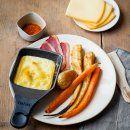 Raclette gourmande aux légumes rôtis au miel et magret de canard - Marie Claire Idées