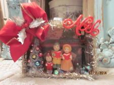VTG.inspired Christmas shadow box ornament bottle brush tree carolers Noel