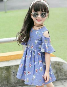 Una moda perfecta para una niña Baby Girl Frocks, Baby Girl Party Dresses, Frocks For Girls, Kids Frocks, Little Girl Outfits, Little Girl Fashion, Little Girl Dresses, Baby Dress, Kids Outfits