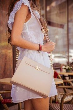 mini nude leather handcrafted bag Cristina Cupar