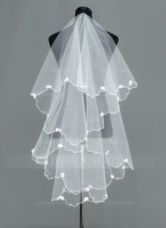 Wedding Veils - $19.99 - One-tier Fingertip Bridal Veils With Finished Edge (006005390) http://jjshouse.com/One-Tier-Fingertip-Bridal-Veils-With-Finished-Edge-006005390-g5390