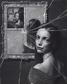 Vale la pena volver a repasar la obra del artista japonés Taisuke Mohri y enamorarnos de sus resquebrajados cristales/espejos. Taisuke Mohri en ARTNAU