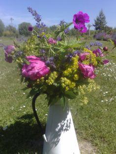 Enamel jug of peonies and euphorbias Wedding Flower Inspiration, Wedding Flowers, Wedding Ideas, Country Garden Weddings, English Country Gardens, Peonies, Heaven, Enamel, Summer