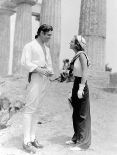 secondhandroses:  Joan Crawford and Clark Gable visit each other on Catalina Island, where they are on location for two different films in 1935.