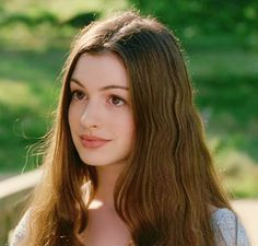 Anne Hathaway, Ella Enchanted, Alice in Wonerland and Becoming Jane Anne Hathaway, Film Romance, Pretty People, Beautiful People, Ella Enchanted, Wattpad, Celebrity Babies, Celebs, Celebrities