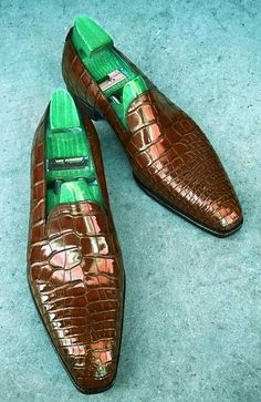 804a9b084ce5 Handcrafted Men s Alligator Skin Slip-on Loafers Classic Business Shoes  Preppy Mens Fashion