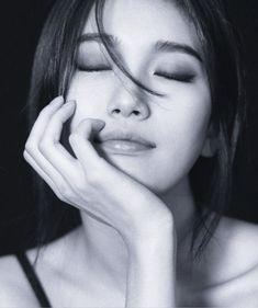 [010818 ©BM] Korean Beauty, Asian Beauty, Miss A Suzy, Sana Minatozaki, Asian Celebrities, Bae Suzy, Korean Artist, Thing 1, Studio Portraits