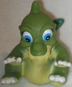 @Kyleesharisky i believe it was pizza hut that gave out these land before time hand puppets... they were so hard to work too. i remember the smell of them lol