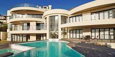 Sunset Mansion -  Une luxueuse villa de 7 chambres située à Llandudno, avec jardin, piscines, sauna et vue sur l'Océan Atlantique.
