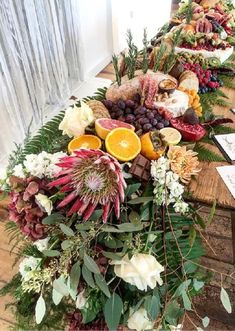 2019 Wedding Trends: 20 Charcuterie Board or Table Ideas 2019 Wedding Trends: 20 Charcuterie Board or Table Ideasoutdoor wedding food ideas with charcuterie tablerosé inspired charcuterie table bar Charcuterie Wedding, Charcuterie And Cheese Board, Wedding Catering, Charcuterie Platter, Cheese Boards, Lantern Centerpiece Wedding, Wedding Lanterns, Wedding Centerpieces, Centerpiece Ideas