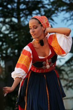 Beauty - is a combination of physical attractiveness, personality, culture, and intelligence that. We Are The World, People Around The World, Bratislava, Folk Costume, Costumes, Ukraine, Heart Of Europe, World Cultures, Ethnic Fashion
