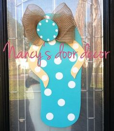 Flip Flop wood door hanger by NancysDoorDecor on Etsy, $38.00
