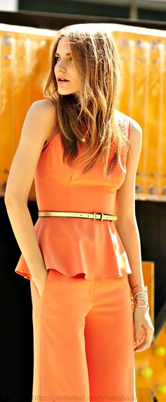 Neiman Marcus na Don't like the matchy matchy - but love how the top fits and covers Fashion Wear, Fashion Outfits, Fashion Trends, Skinny Belt, Orange Peel, Classy And Fabulous, Stylish Outfits, Style Icons, Neiman Marcus