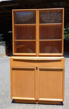 f44054098124d HEYWOOD WAKEFIELD BUBBLE GLASS CHINA CABINET - M1545 on M1541 - ORIGINAL  CHAMPAG