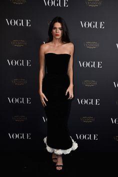 Kendall Jenner en robe Chanel vogue paris soirée 95 ans http://www.vogue.fr/mode/inspirations/diaporama/la-soire-des-95-ans-de-vogue-paris/22911#kendall-jenner-en-robe-chanel