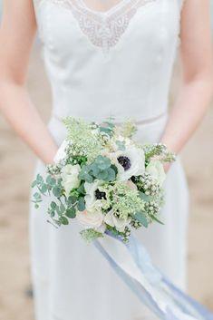 Nordish by Nature – Elfenbraut trifft Urban-Bräutigam http://www.hochzeitswahn.de/inspirationsideen/nordish-by-nature-elfenbraut-trifft-urban-braeutigam/ #wedding #styleshoot #inspo