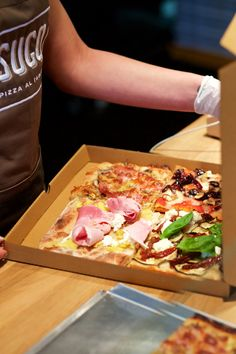 Of course you can also takeaway our pizza al taglio, to eat at home with family and friends or at work with colleagues.