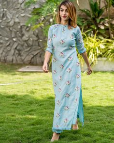 Powder blue flower embroidered kurta and straight pants with pleated details dresses Shop Powder blue embroidered kurta with pants - Set of Two Printed Kurti Designs, Silk Kurti Designs, Simple Kurta Designs, Salwar Designs, Kurta Designs Women, Kurti Designs Party Wear, Long Kurta Designs, Kurti Sleeves Design, Kurta Neck Design