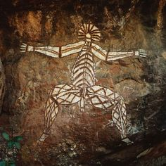 "Rock painting, ca. 6000 B. © Archivo Iconografico, S./Corbis Aboriginal ""x-ray style"" figure. ive experienced this art its amazing Ancient Aliens, Ancient History, Art History, Religions Du Monde, Kunst Der Aborigines, Arte Tribal, Art Premier, Australian Art, Indigenous Art"