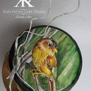 Little bird - cake by Fatiha Kadi Bird Cakes, Sugar Art, Love Cake, Edible Art, Creative Food, Cake Decorating, Birds, Hand Painted, Artist
