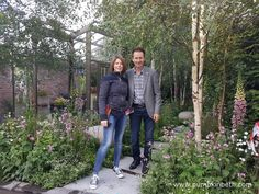 At The RHS Chelsea Flower Show visitors can see the latest innovations and garden technology and design, and the newest plants. Water Features In The Garden, Garden Features, Garden Inspiration, Garden Ideas, Chelsea 2016, Thomas Heatherwick, Bombay Sapphire, Carnivorous Plants, Chelsea Flower Show