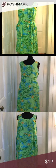 "Looking Good Beach Dress I love these dresses in the summer! And it's got to be summer somewhere! This is a super light weight tent dress by Looking Good. It has belt ties sewn into the side seams so that it can be pulled in, or you can tie them behind for more of a ""muumuu"" effect. 100% polyester and washable. Size label is cut out but it is exactly the same as another that we're selling which is marked 2X. Looking Good Dresses Maxi"