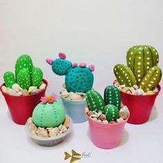 Easy DIY Stone cactus plant Mothers Day crafts kids can make. A great Summer gar… Easy DIY Stone cactus plant Mothers Day crafts kids can make. A great Summer garden gift idea you can do for Mom& GrandMother, or Grauntie on a budget. Easy Diy Mother's Day Gifts, Diy Mothers Day Gifts, Mother's Day Diy, Painted Rock Cactus, Painted Rocks, Cactus Pierre, Kids Crafts, Craft Kids, Stone Cactus