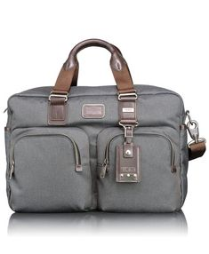 love this carry on bag