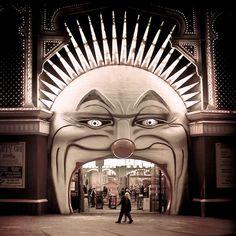 Melbourne / Circus / Vintage: A perfect entrance to a circus. Luna Park in Melbourne Dark Circus, Circus Art, Creepy Circus, Circus Theme, Circus Clown, Creepy Clown, Circus Tents, Circus Cakes, Circus Birthday
