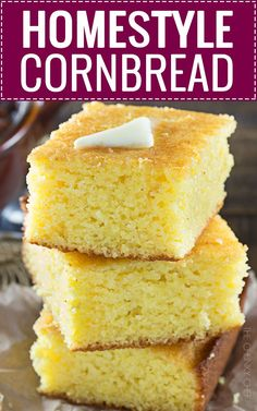 This homestyle cornbread is a perfect mix of savory southern cornbread and sweet northern cornbread. fluffy and soft, it's the only recipe you'll need! Yellow Cornmeal Cornbread Recipe, Cornbread Recipe From Scratch, Southern Cornbread Recipe, Cornbread Cake, Honey Cornbread, Cornbread Recipes, Cornbread Recipe With Bacon Grease, Savoury Biscuits, Best Comfort Food