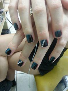 2 color nail design for kid's. #kidsnail, #kidsnailart, #naildesign, #cool, #newstyle, #happy, #happynail, #naildesign, #bestdesign, #amazing,