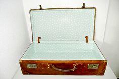 Cómo restaurar una maleta antigua de cuero.
