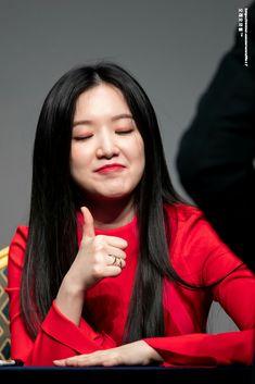 190317 - 8th fansign • SHUHUA #G_I_DLE #Senorita Kpop Girl Groups, Korean Girl Groups, Kpop Girls, Hoseok, You Make Me Crazy, Name Songs, Cube Entertainment, Meme Faces, Neverland