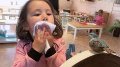 1KA Dribbelklas - Juf Marijke & juf Jana :: dribbelklas Kids, Kids Learning, Mirror, Children, Baby Boys, Child, Babys, Babies